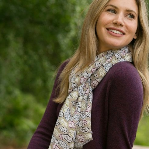 Peony Scattered Leaves Scarf